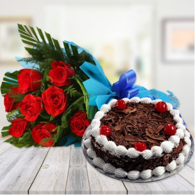 Black Forest Cake With 6 Roses Combo